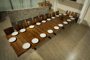 10 seats farmhouse table