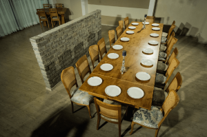 crossed leg dining table