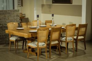 10 seats extending oak dining table 2